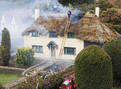 Burning_house,_Bekonscot