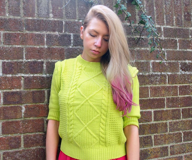 Sam Muses, Review, Neon Jumper, Primark, Statement Shoulder, Colour Blocking, How to Wear, How to, Review, UK Fashion Blog, Beauty, London Style Blogger
