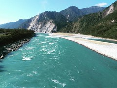 I have never seen a river more elegant than this one. And that is, Lohit River in the state of Arunachal Pradesh in North East India. I would have to say that was completely mesmerising!! #PrashuramKund #Tezu #Arunachal #arunachalpradesh #northeasttourism