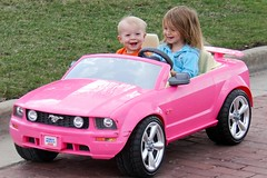 22 mar kids barbie car lnr 22
