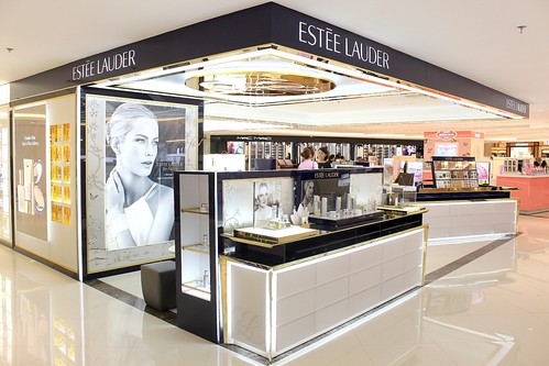 Estee Lauder Beauty Counter at Rustan's Shangrila-Mall