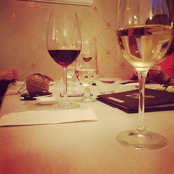 Knitting & Wine at Chocolate & Vine