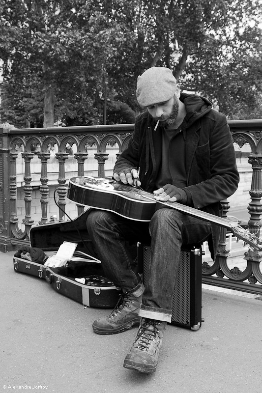 Le guitariste du Pont d'Arcole 7232404626_2332265358_b