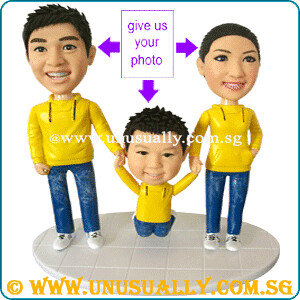 Lovely Happy Family Of 3 Figurines