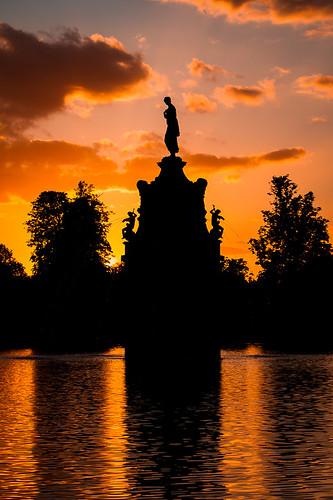 sunset england orange black reflection monument silhouette unitedkingdom surrey bushypark dianafountain