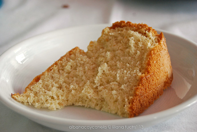 Simple vanilla <br>cake
