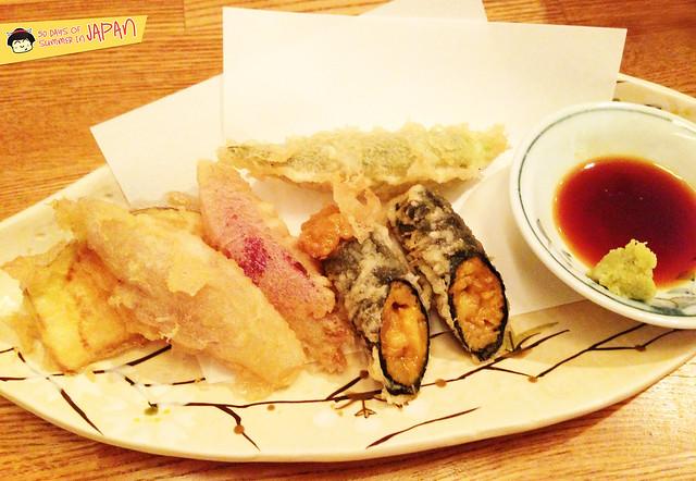 Tempura Tsunahachi - Shinjuku - Takashimaya - assorted tempura with uni