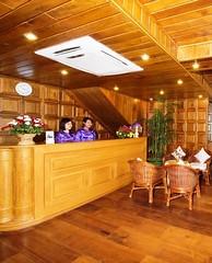Hotel Emperor Front Desk