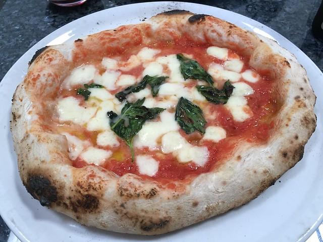 Margherita pizza - Una Pizza Napoletana
