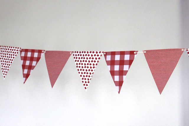 red-white-bunting