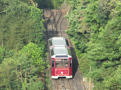 funicular(1.0), vehicle(1.0), train(1.0), transport(1.0), rail transport(1.0), public transport(1.0), rolling stock(1.0), track(1.0), land vehicle(1.0),