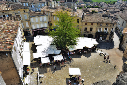 Saint-Emilion at 1 pm