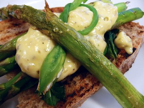 Griddled Asparagus with Bernaise Sauce