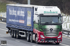 Mercedes-Benz Actros 6x2 Tractor - GK12 UAS - Tracy Kerry - Eddie Stobart - M1 J10 Luton - Steven Gray - IMG_7444