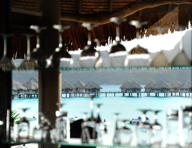 Le Meridien Bora Bora—Miki Miki Restaurant Bar