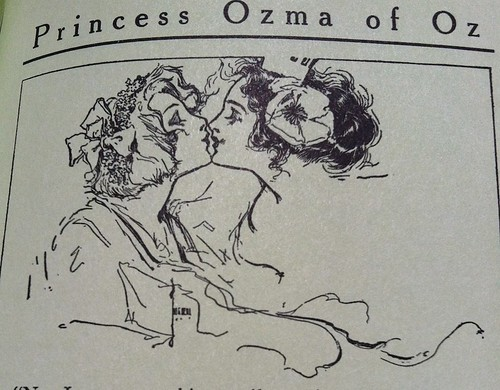 Ozma and Dorothy snogging