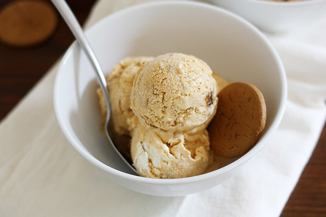 pumpkin cheesecake gingersnap ice cream