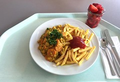 Chickpea curry with french fries / Kichererbsencur…
