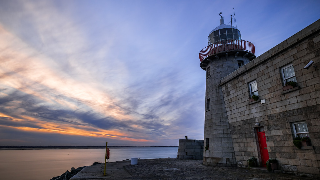 Sunset at Howth Lighthouse - Dublin, Ireland - Seascape photography