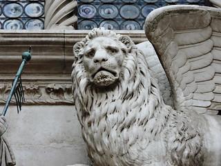 Image of Doge's Palace near Venice. ヴェネツィア venice venezia βενετία sculpture winged stmark lion