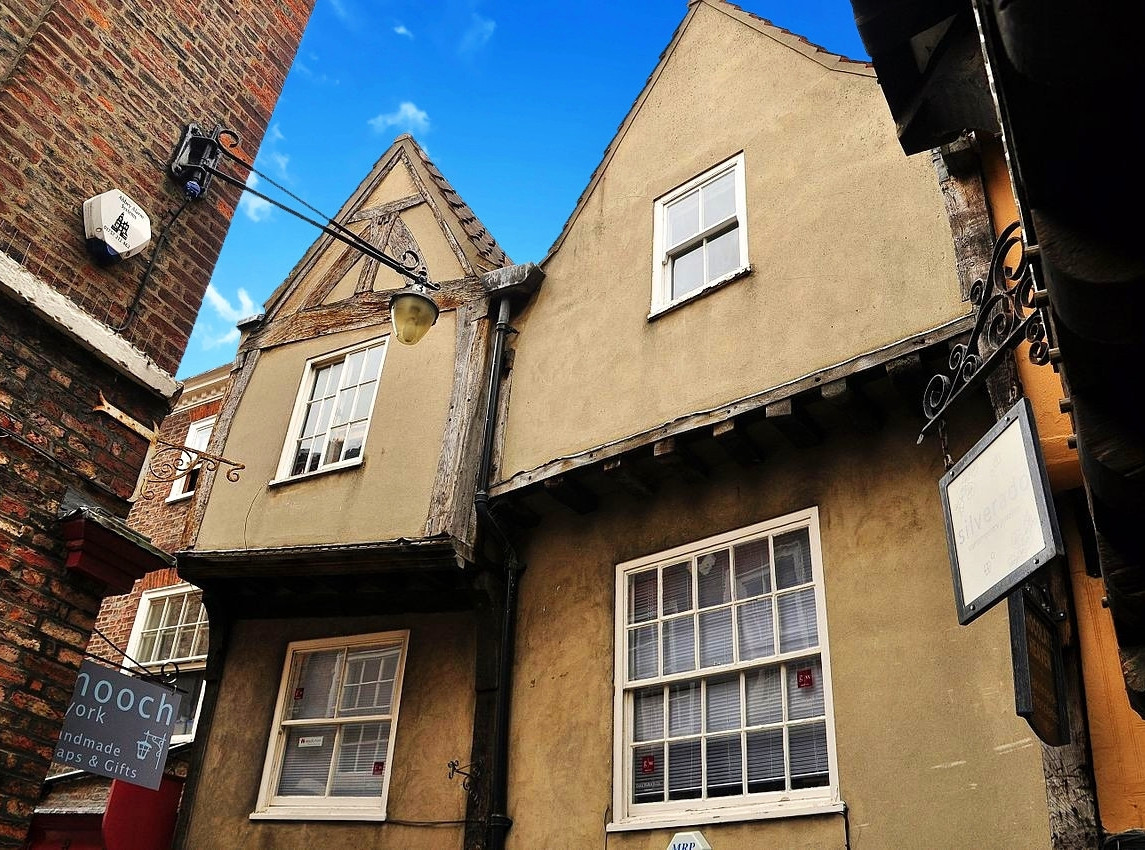 The Shambles' overhanging buildings. Credit Nilfanion