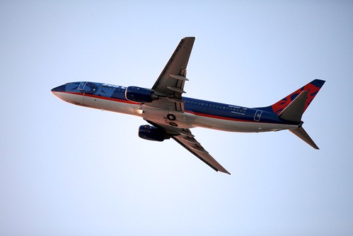 boeing grr 737 viewingarea geraldrfordinternationalairport suncountryairlines canonef70200mmf28lisiiusm