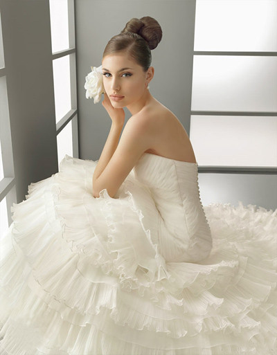 backless ball gown wedding dress-1
