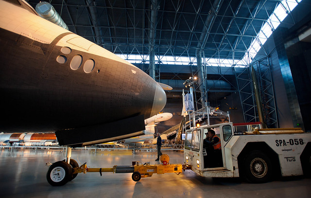 Shutte Enterprise Udvar-Hazy Roll-Back (201204190009HQ)
