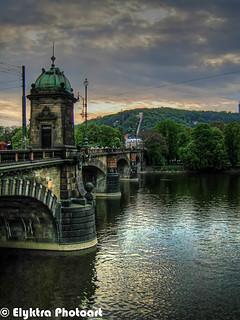 old_bridge.jpg