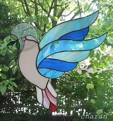 オリーブの枝を持つ鳩 by Poran111