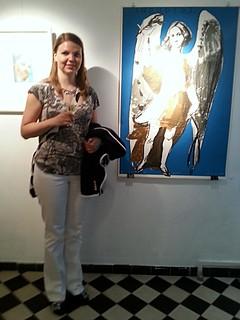 Jenni taidenäyttelyssä