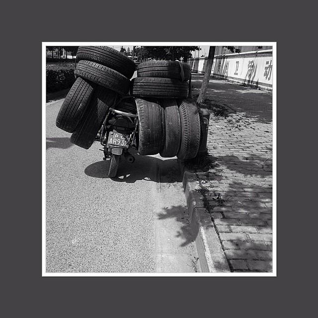 【轮胎】#黑白 #B&W
