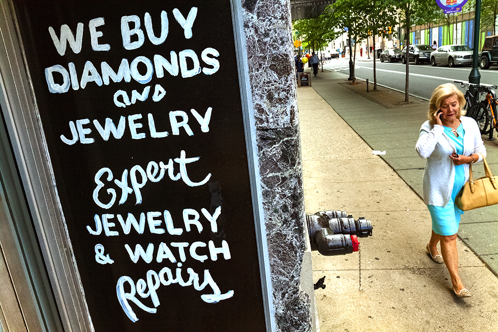 WE-BUY-DIAMONDS-AND-JEWELRY-sign-at-8th-and-Chesnut-on-5-11-15--Center-City