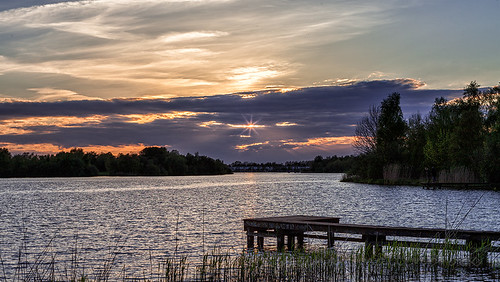 sunset sun lake water netherlands zonsondergang meer jetty groningen paterswoldsemeer steiger reinasmallenbroek