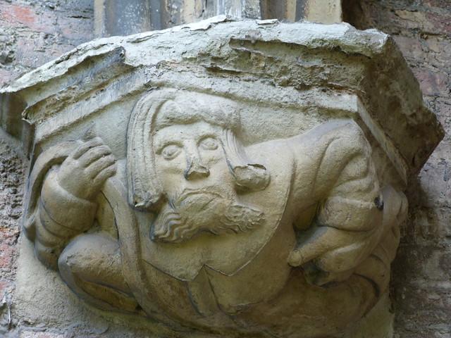 Capitel de la abadía de San Bavón (Gante, Bélgica)