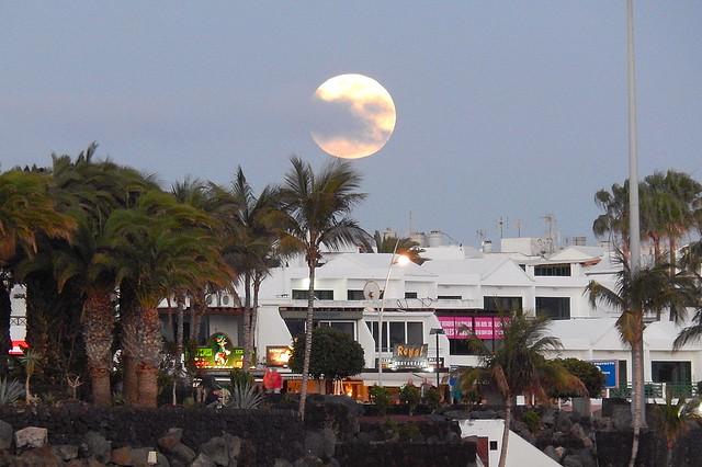 Lanzarote-201602-91-MoonRisingOverPdC