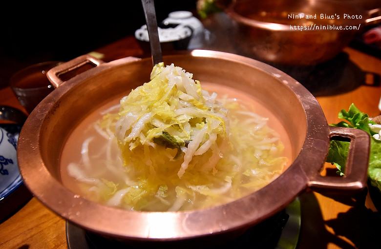 公益路餐廳老舅酸菜白肉鍋10