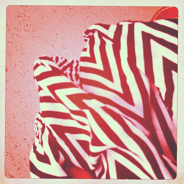 Löysin kivan hameen kirpparilta jee!!! #skirt #graphic #secondhand #5e