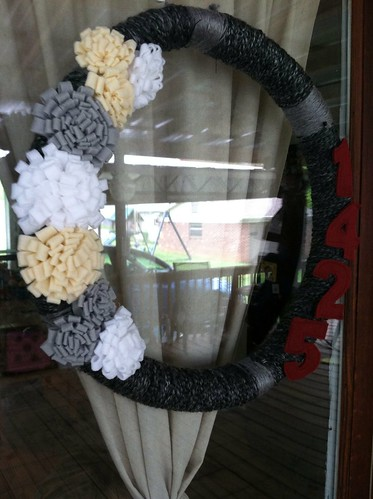 yarn wreath complete