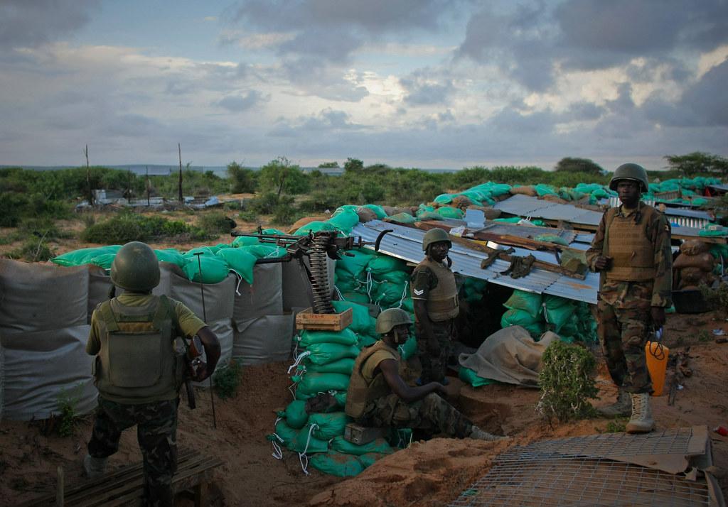 Armée Ougandaise/Uganda Peoples Defence Force (UPDF) - Page 2 7144041961_36f6a27a8a_b