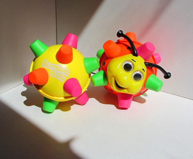 Bumble Ball Toy : F fa z g