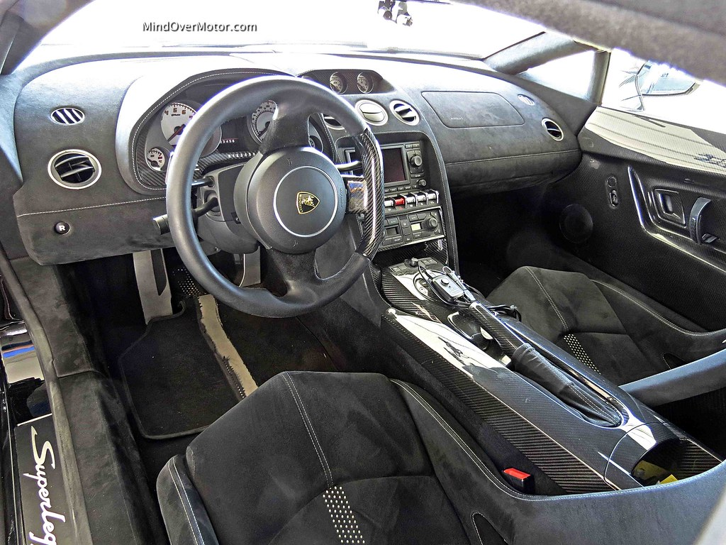 Lamborghini Gallardo LP570-4 Superleggera Interior