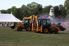 JCB Dancing Diggers – Holkham Hall Country Fair 28th July 2013