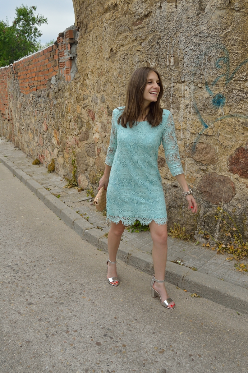 lara-vazquez-madlula-blog-style-fashion-pastel-dress