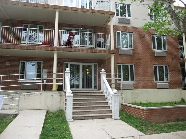 2BR/2BTH CONDO FOREST HILLS  -Under Contract-