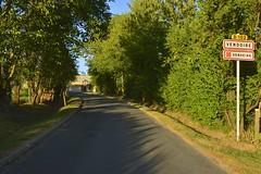 L'une des routes d'accès à Vendoire
