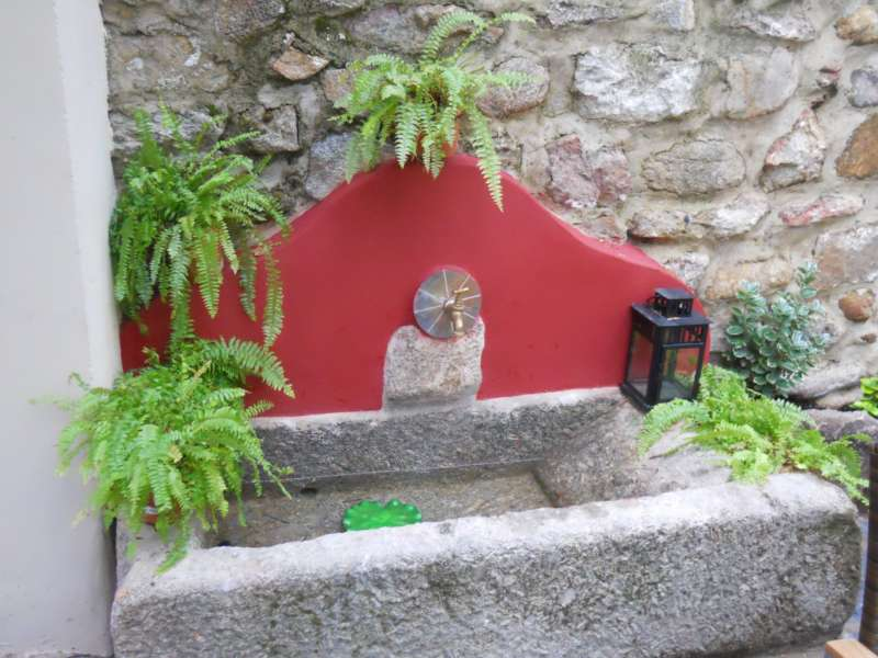 Jardineros en acci n fuentes decorativas para jard n for Fuentes ornamentales jardin