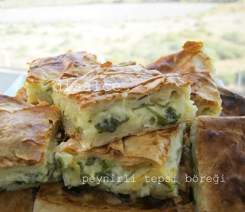 kolay peynirli tepsi böreği