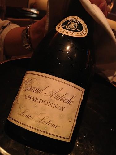 フランスの白ワインをボトルで4000円くらいだったかな。@マンダリーノ