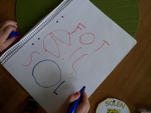Ava har skrivit - och stavat! - helt själv